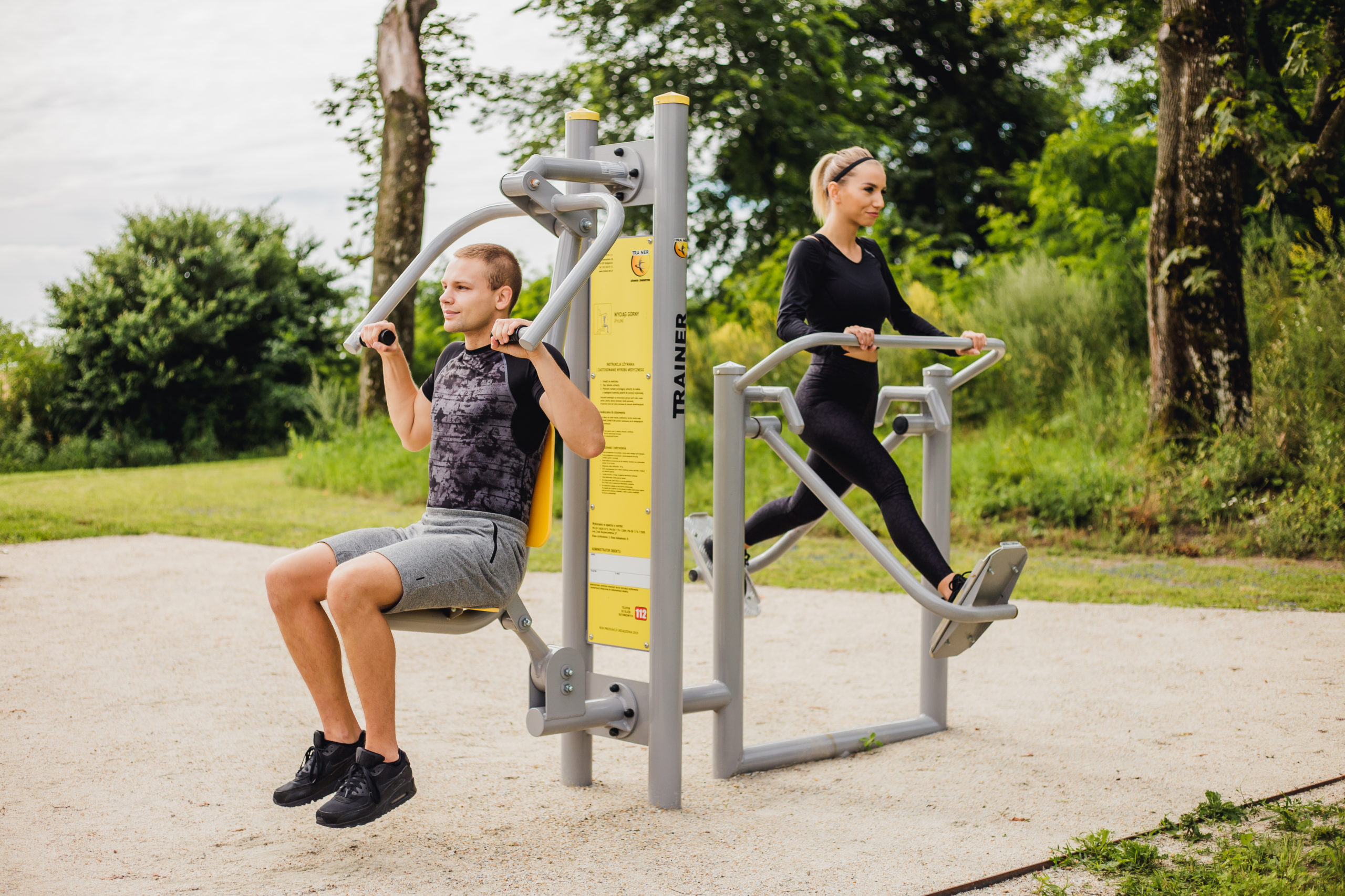 Dlaczego warto ćwiczyć na siłowniach zewnętrznych?